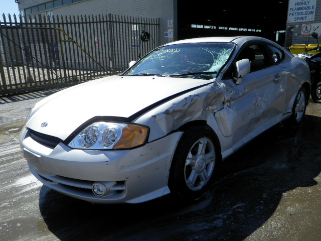 2004 HYUNDAI COUPE S Parts